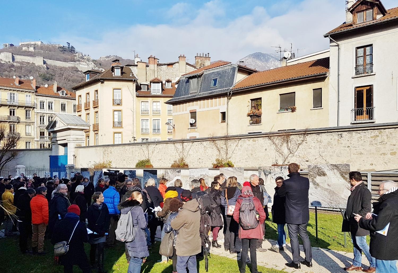 Montagne défaite, installation photographique d'Olivier de Sépibus jusqu'au 20 mars dans le jardin du Musée de l'Ancien Evêché à Grenoble