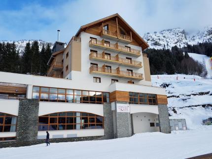 Le  village Club du Soleil à Oz-en-Oisans, premier projet financé par la Foncière hôtelière des Alpes, ouvert en décembre 2017