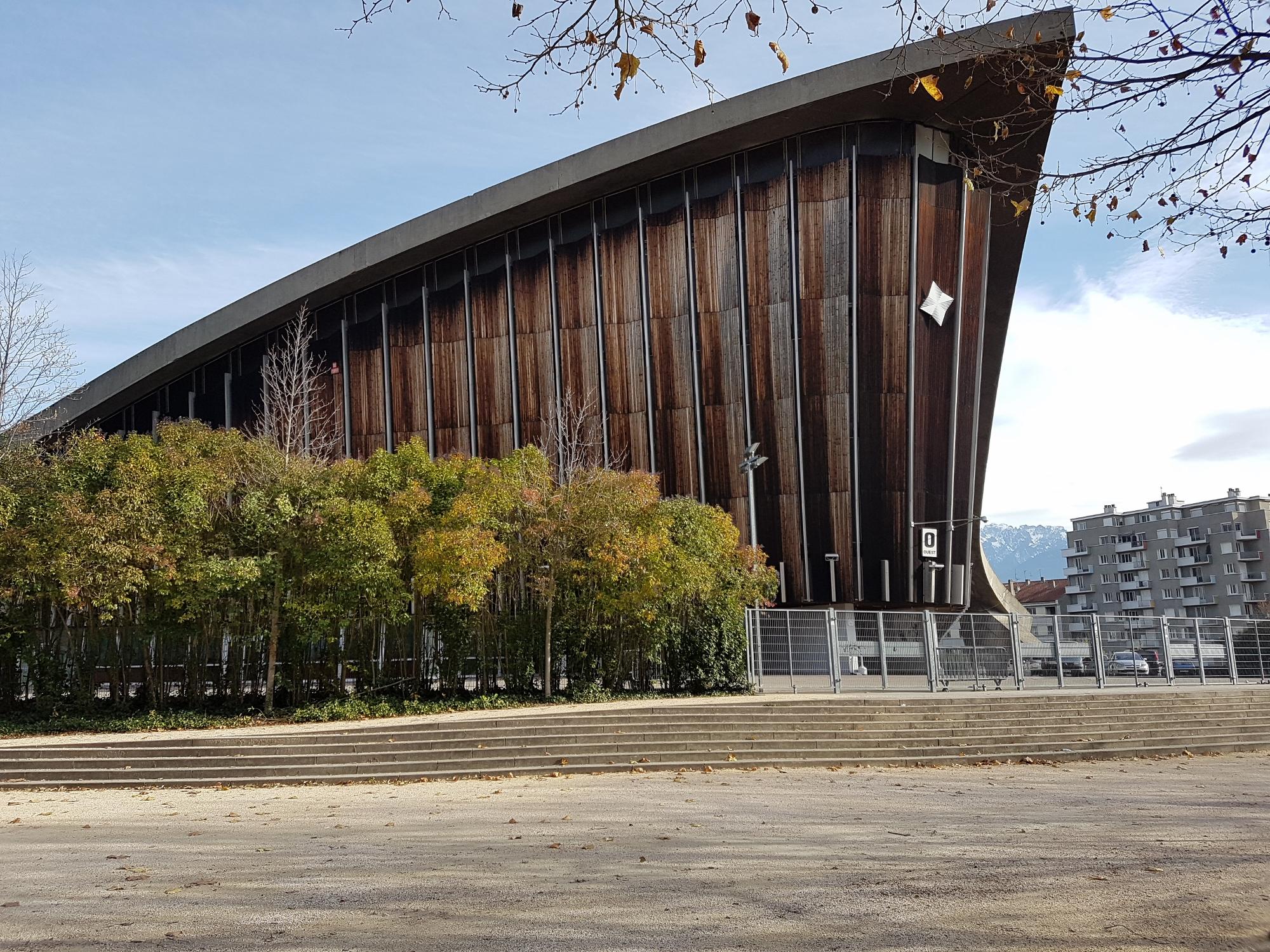 Le Palais des sports, à l'architecture toujours aussi futuriste 50 ans après